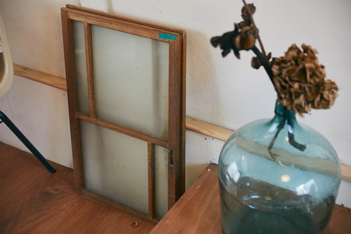 レトロな窓ガラス