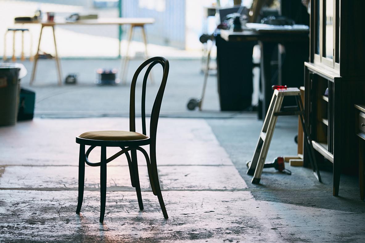 トーネットの椅子をリペアでおしゃれに