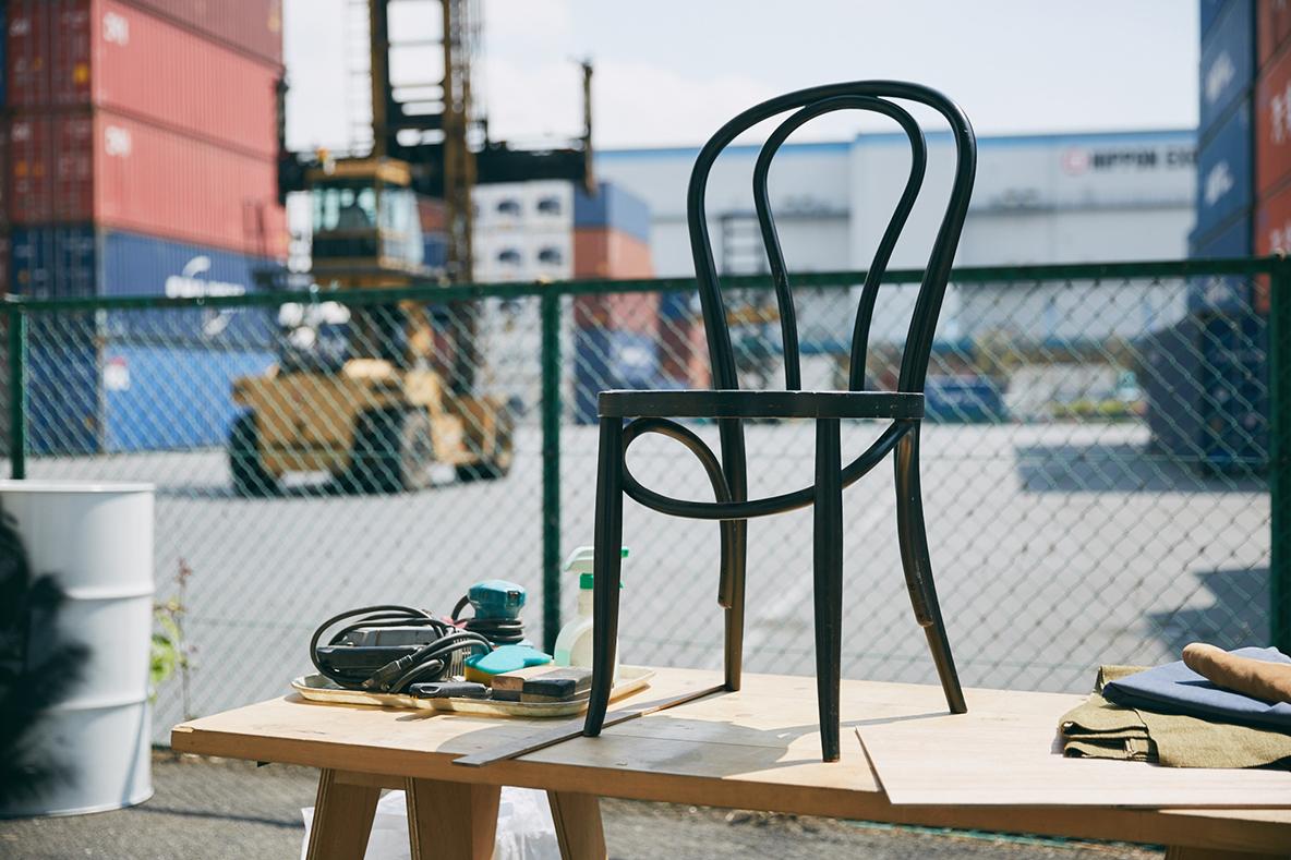 イタリアの古いトーネットの曲木の椅子