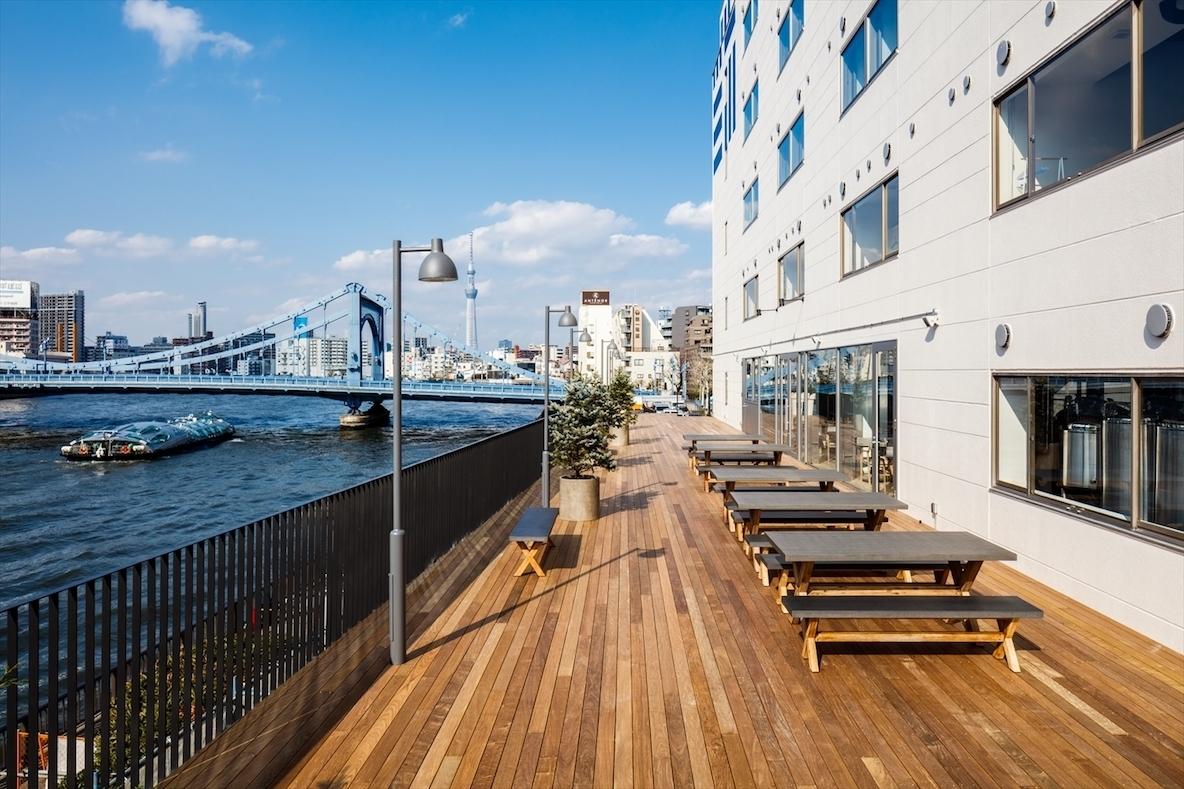 クラフトビールと隅田川のリバービューを楽しむリノベーションホテル