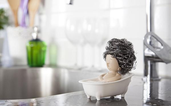 今までにない個性的なスポンジ台である「Soap Opera」は、他の製品にはない愛着を持てそうだ