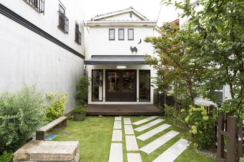 地元クリエーターたちがリノベーション。感性が混ざり合う鎌倉のホステル
