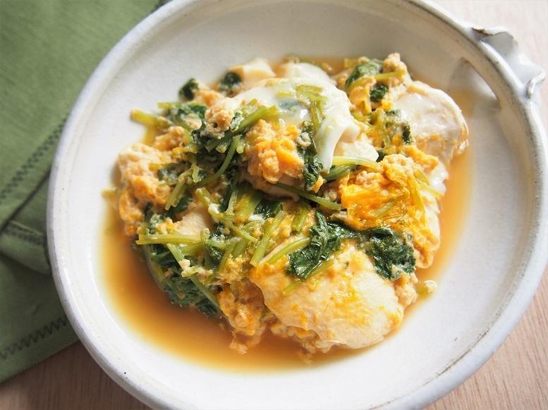 ヘルシーで深夜に食べたい、三つ葉と豆腐の卵とじ