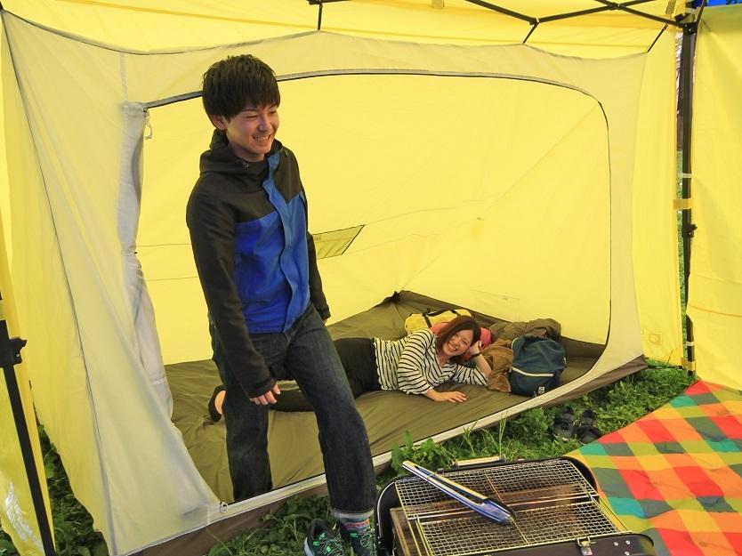 キャンプ以外にも、BBQの際のくつろぎスペースやフリーマーケットの荷物置き場にもよさそうだ