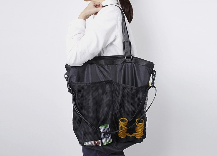 DELFONICSのA4サイズが入るバッグ