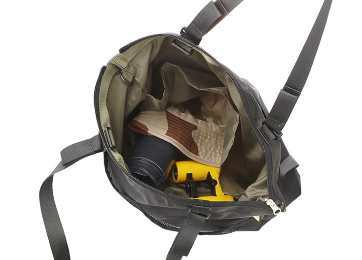 DELFONICSの3wayバッグ