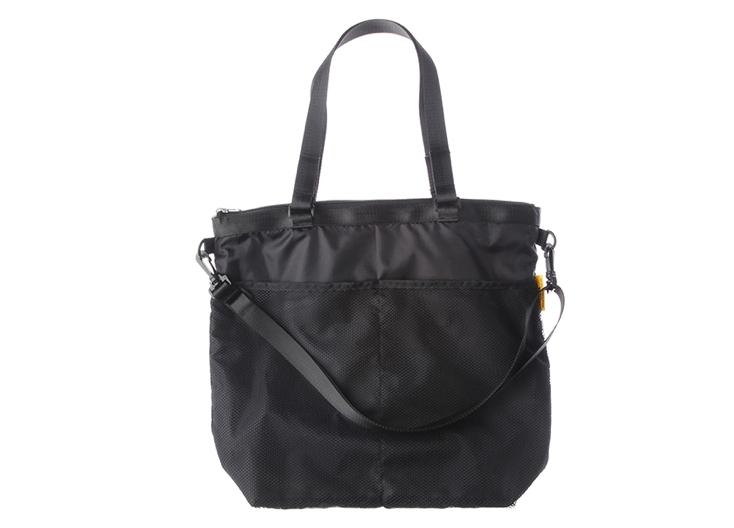 DELFONICSの便利で使い勝手がいいバッグ