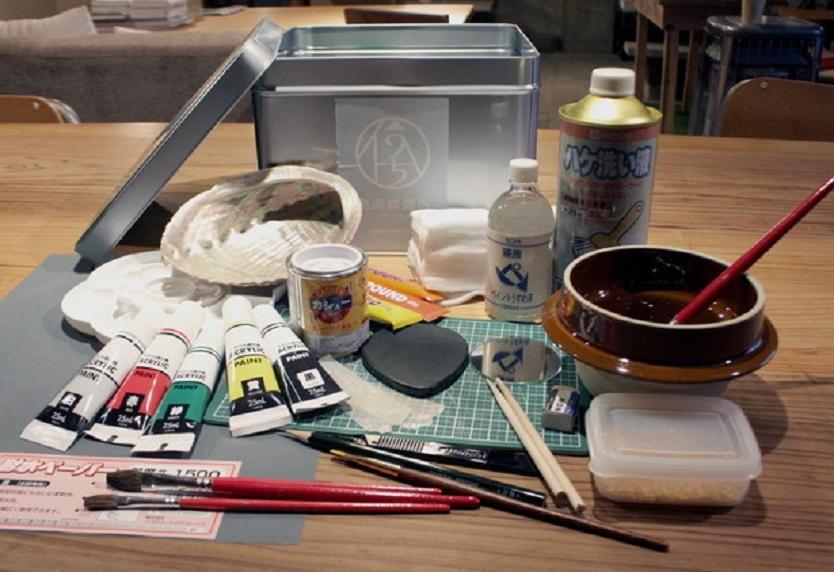 伝統工芸を部屋で体験。「螺鈿細工」の基本が詰め込まれたDIYキット