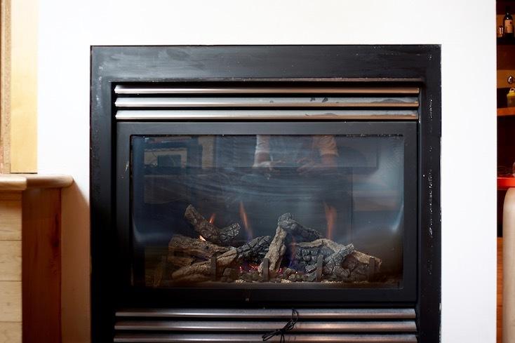 スタジオルームに付いている暖炉