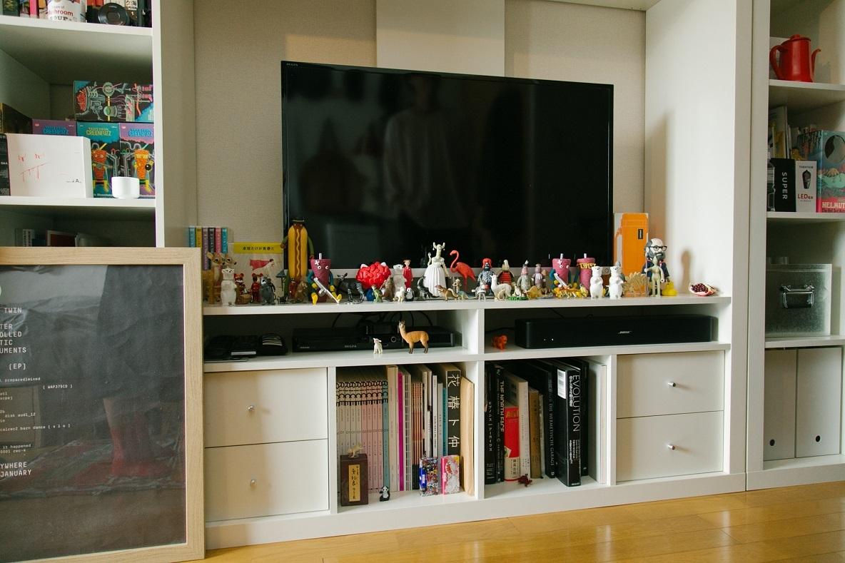 家具や家電は白を選んですっきり見えるようにしています