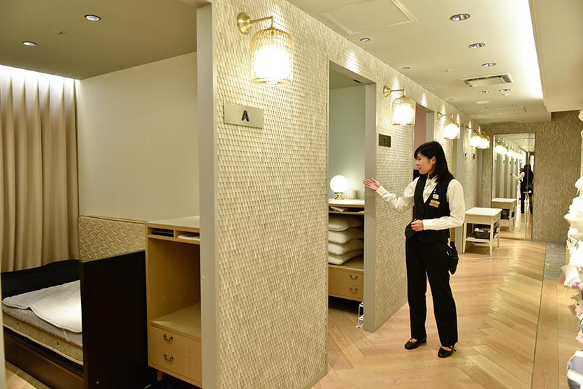伊勢丹新宿店の、完全個室のコンサルティングルーム「ベッドルーム」