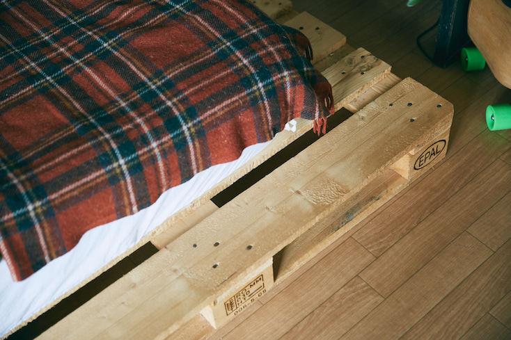 パレットを使ったDIYベッドをDIY