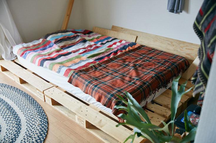 パレットを使ったDIYベッド