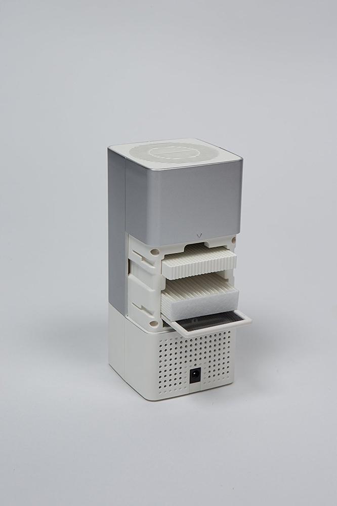 UV殺菌消臭器LEDピュアは、健康被害の原因となる化学物質やアレルギーの原因になるVOCs(揮発性有機化合物)、PM2.5を除去してくれる