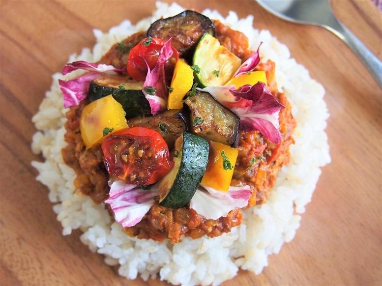 カラフルな夏野菜のドライカレー
