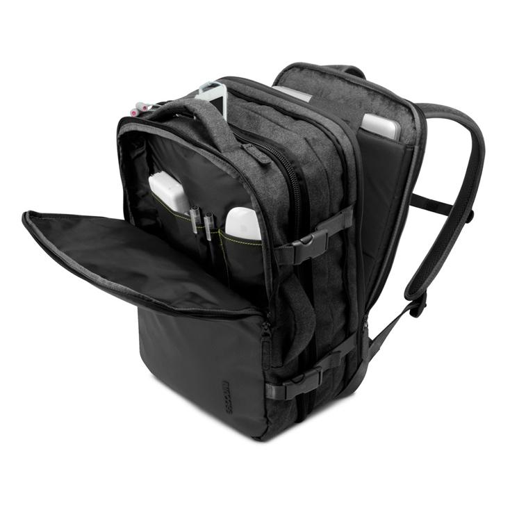 incaseの17インチのMacBookまで収納できる「EO Travel Backpack」