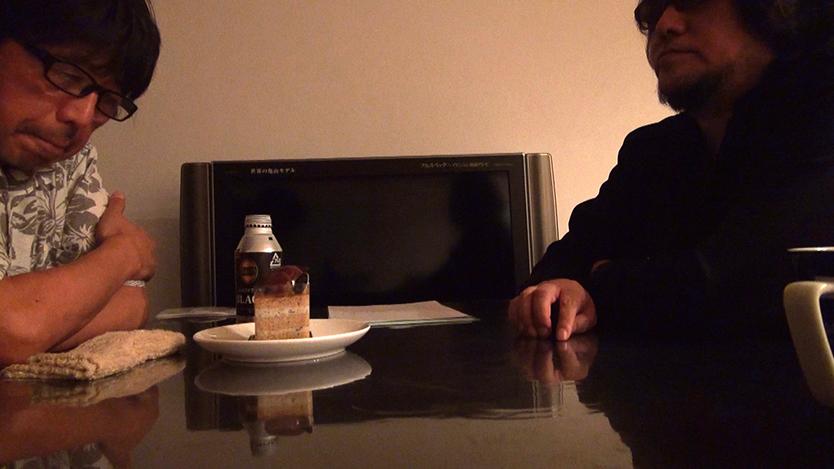 映画、ゴーストライター騒動後、佐村河内氏を自宅にてとらえた映画『FAKE』