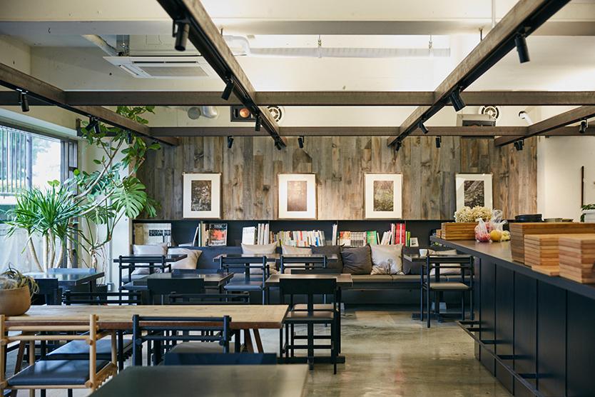 社食堂のおしゃれなカフェスペース