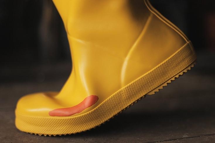 長靴に水が入らない接着剤
