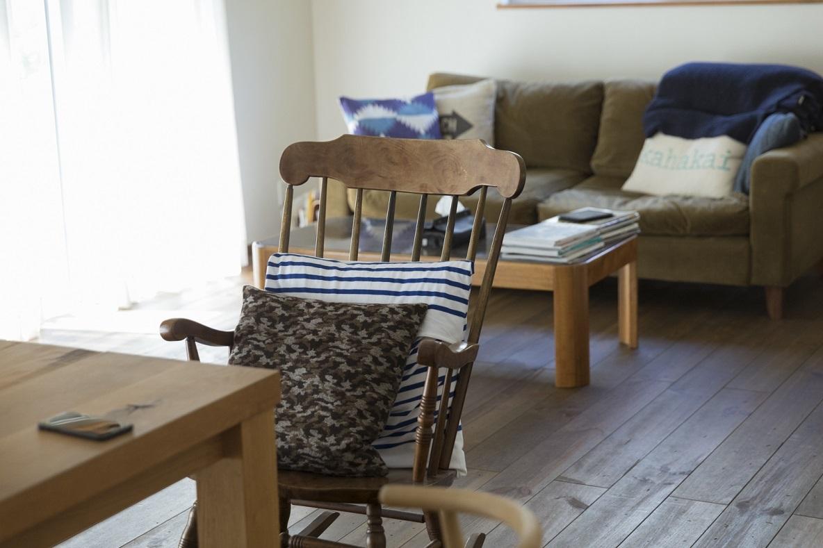 かわいいアンティークの椅子