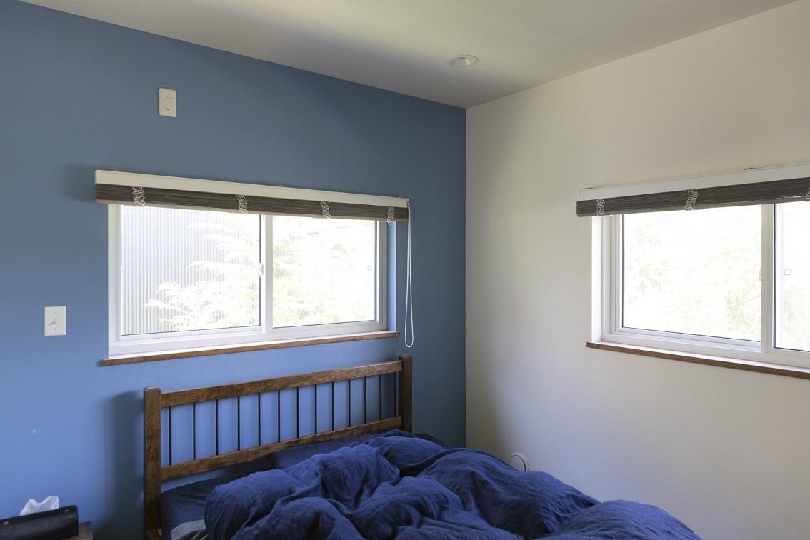 ブルーの素敵なベッドルーム