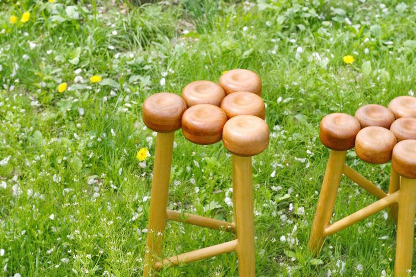 役目を終えたりんごの木で作られる、青森県弘前市の「Ringoスツール」