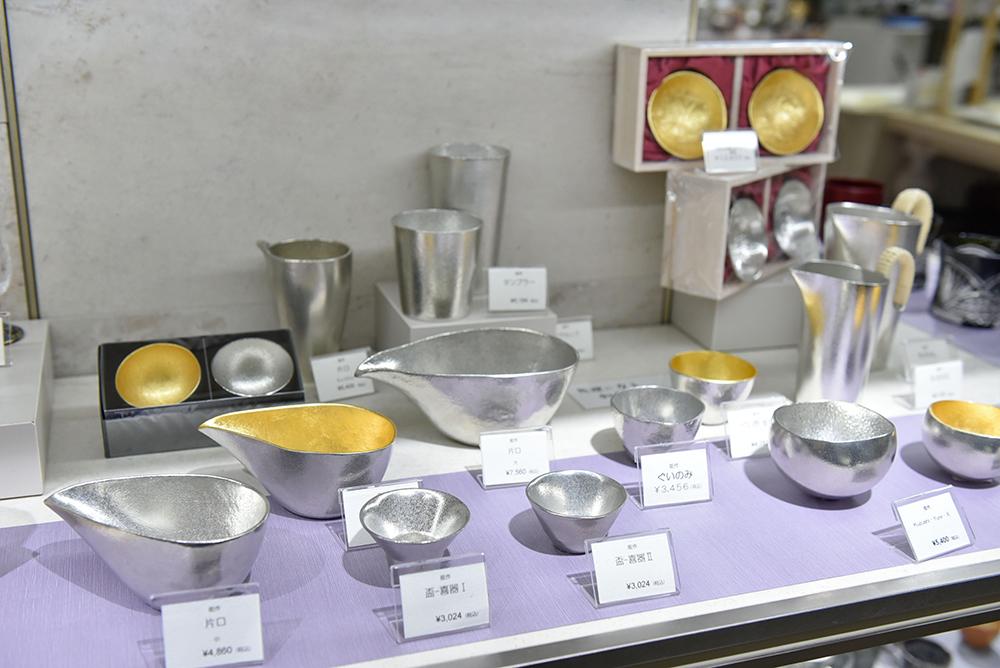 日本酒をまろやかにする、錫の能作の酒器「yure ミニ 2個セット」(8,400円)+片口の小