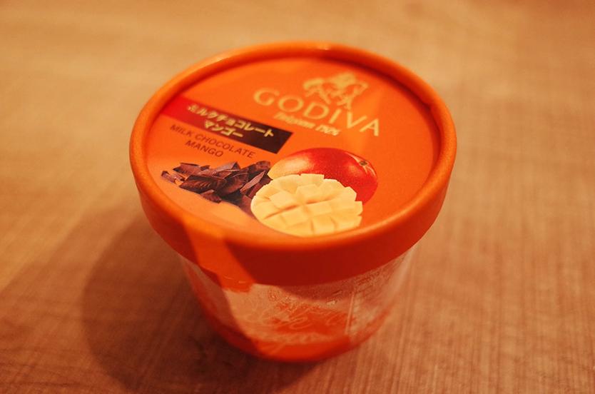 GODIVA ミルクチョコレートマンゴー