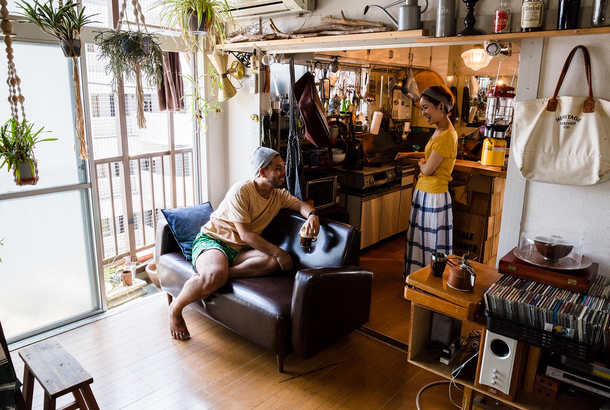 飲食で街を盛り上げる夫婦が暮らすのは、クリエイターが集まるDIYマンション(千葉県松戸市)|みんなの部屋