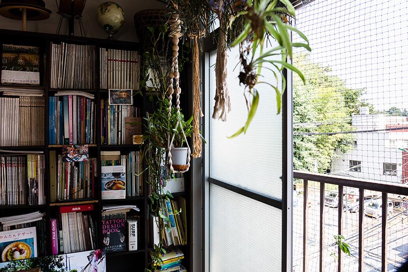 緑が豊富なマンションの部屋