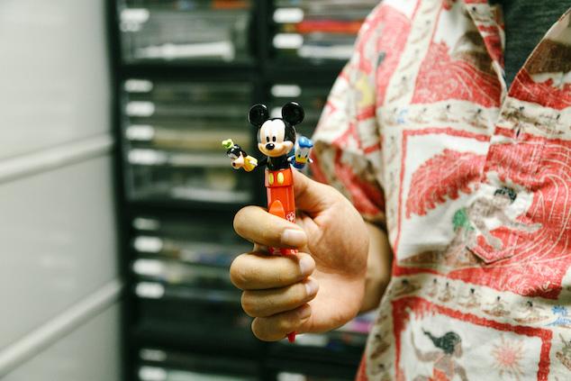 ディズニーのミッキーとミニーのペン