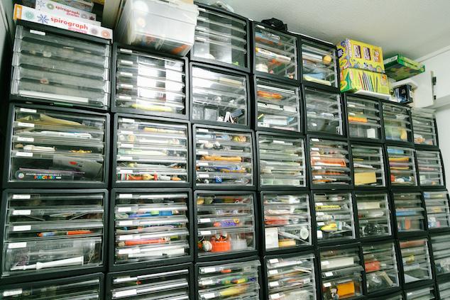 きだてたくさんの、3,000点以上がコレクションされている文房具部屋