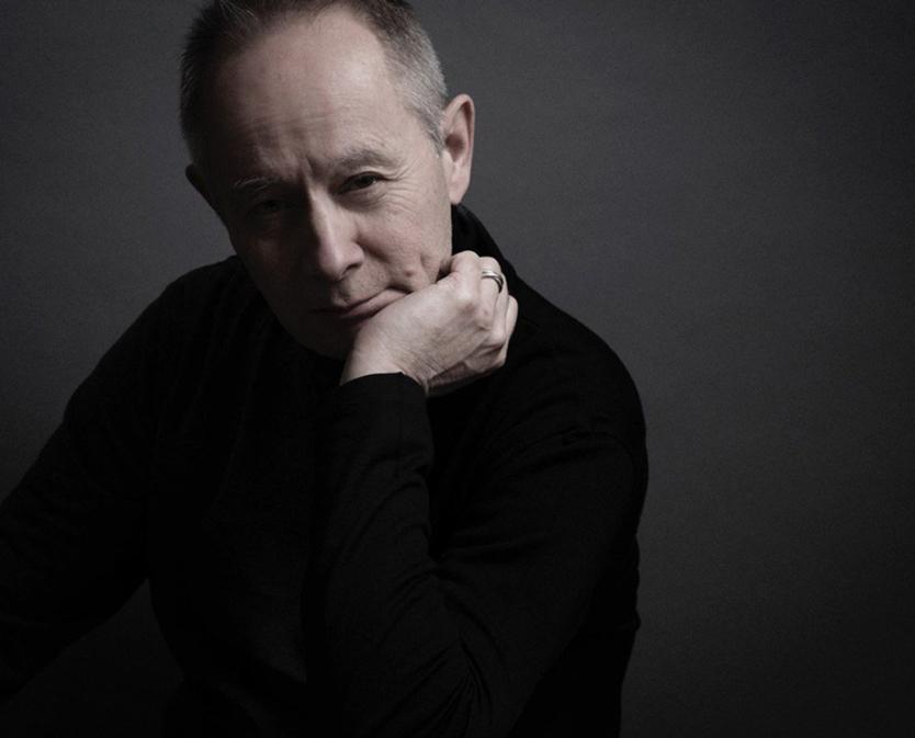 音楽評論家やラジオDJとして活躍するブロードキャスターのピーター・バラカン氏