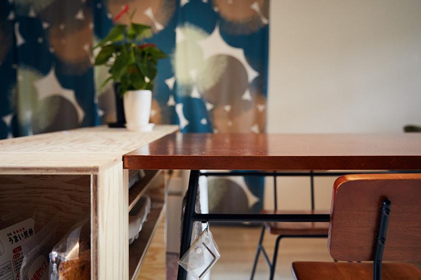 ぴったりサイズのテーブルをDIY