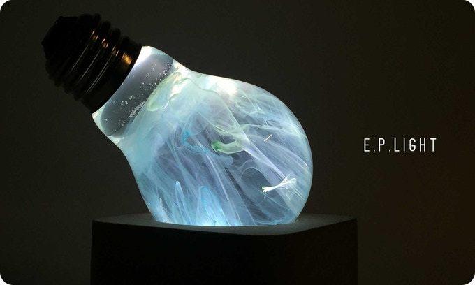 「ジャクソン・ポロック」から着想を得た電球