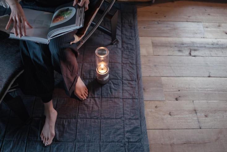寝室にぴったりなグラスサウンドスピーカー
