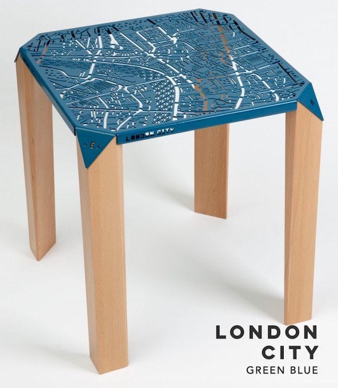 ロンドンの地図のテーブル
