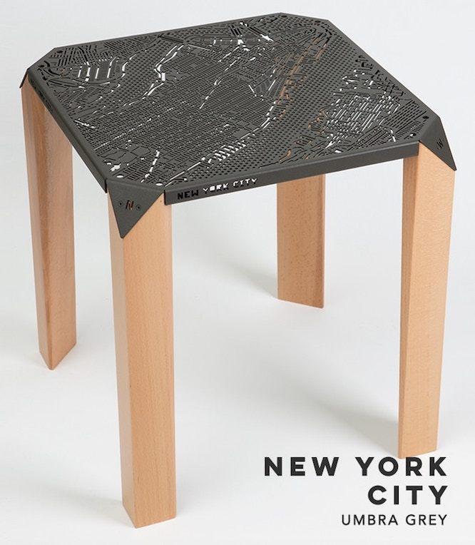 ニューヨークの地図のテーブル
