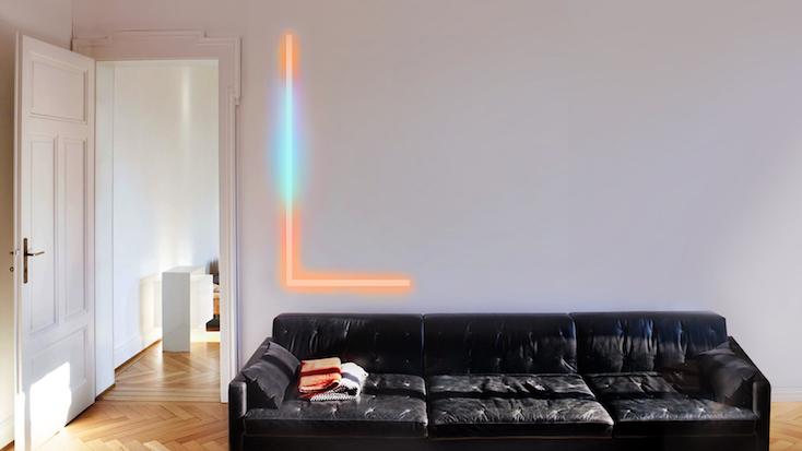 壁に貼りつけ、カラフルに部屋を照らす未来型照明「Beam」