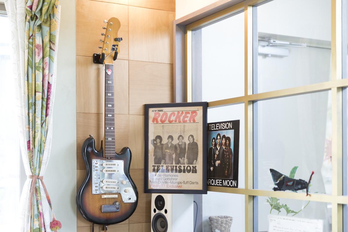 69年のビザールギター「Guyatone」
