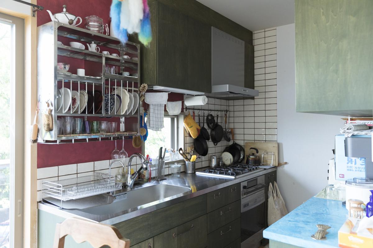 色づかいが楽しい造作キッチン