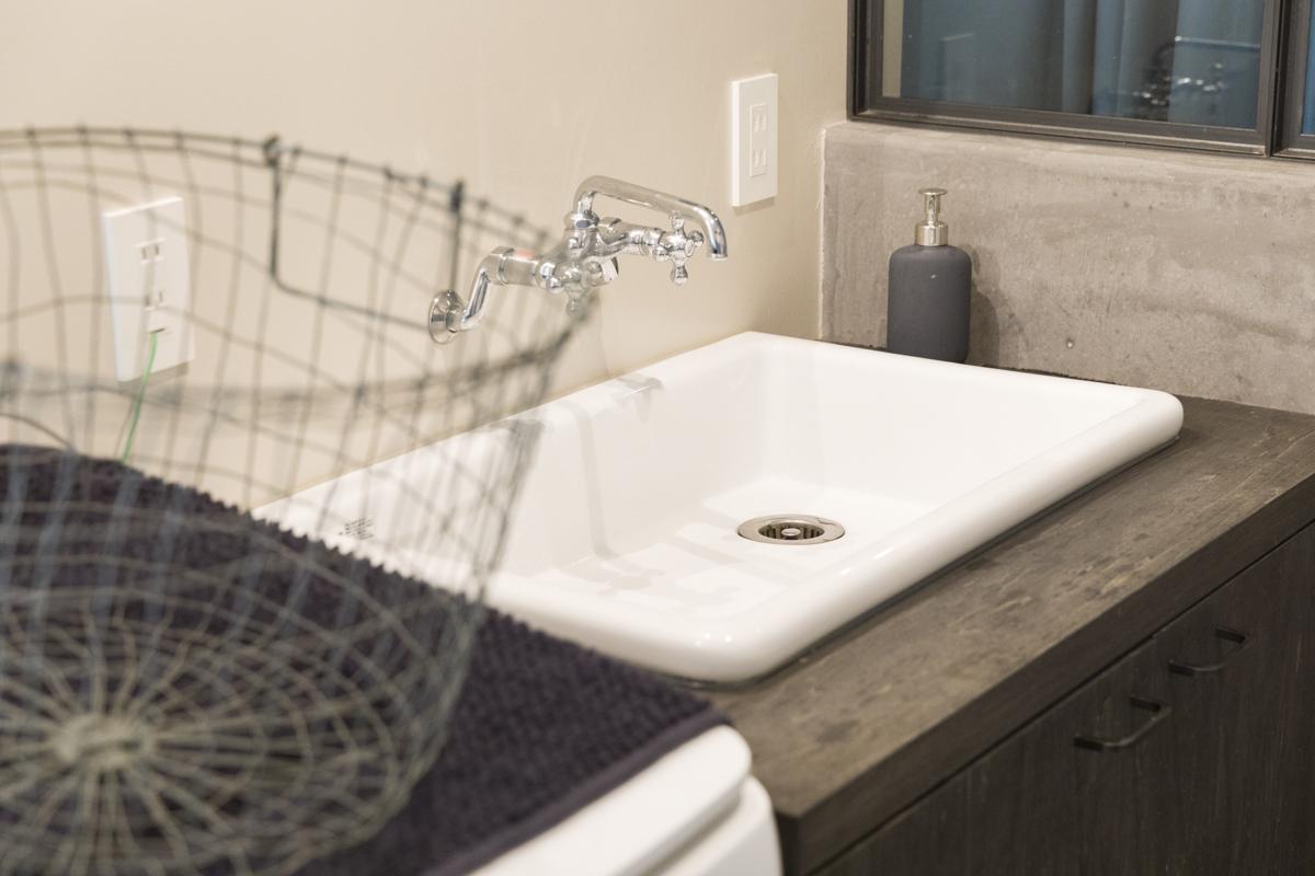 コンクリートが素敵な洗面台