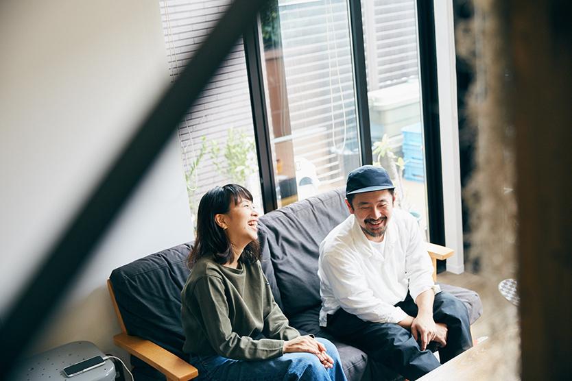 ファッショニスタの部屋、緒方裕さんと、ともに暮らす濱田美穂さん