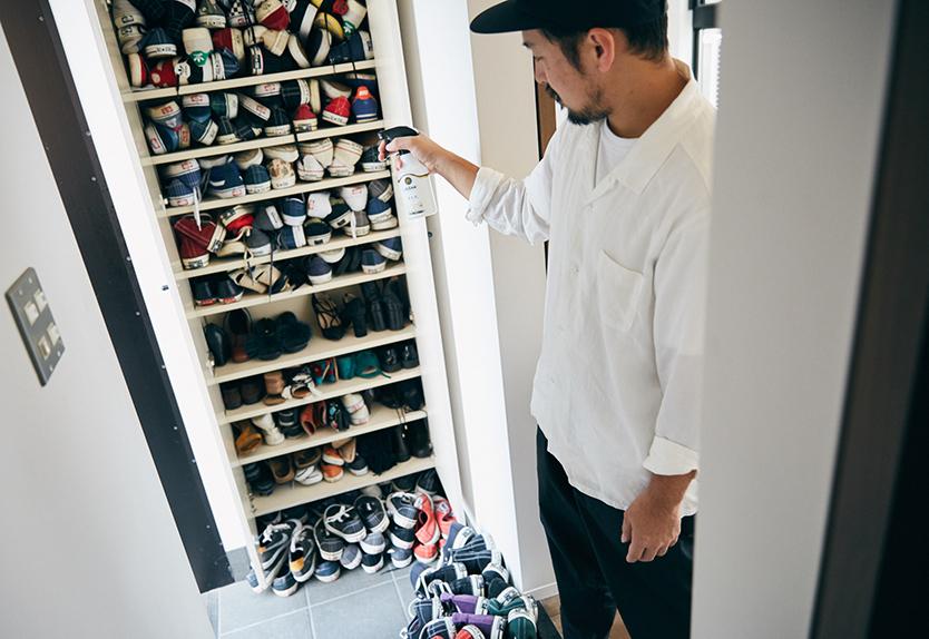 消臭剤を玄関の靴の臭いに使う