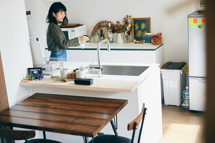 キッチンで消臭剤を使う