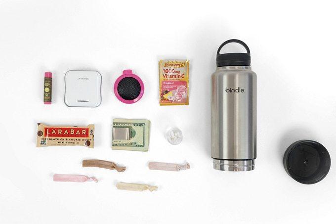 財布や鍵などの小物を収納できるウォーターボトルBindle Bottle