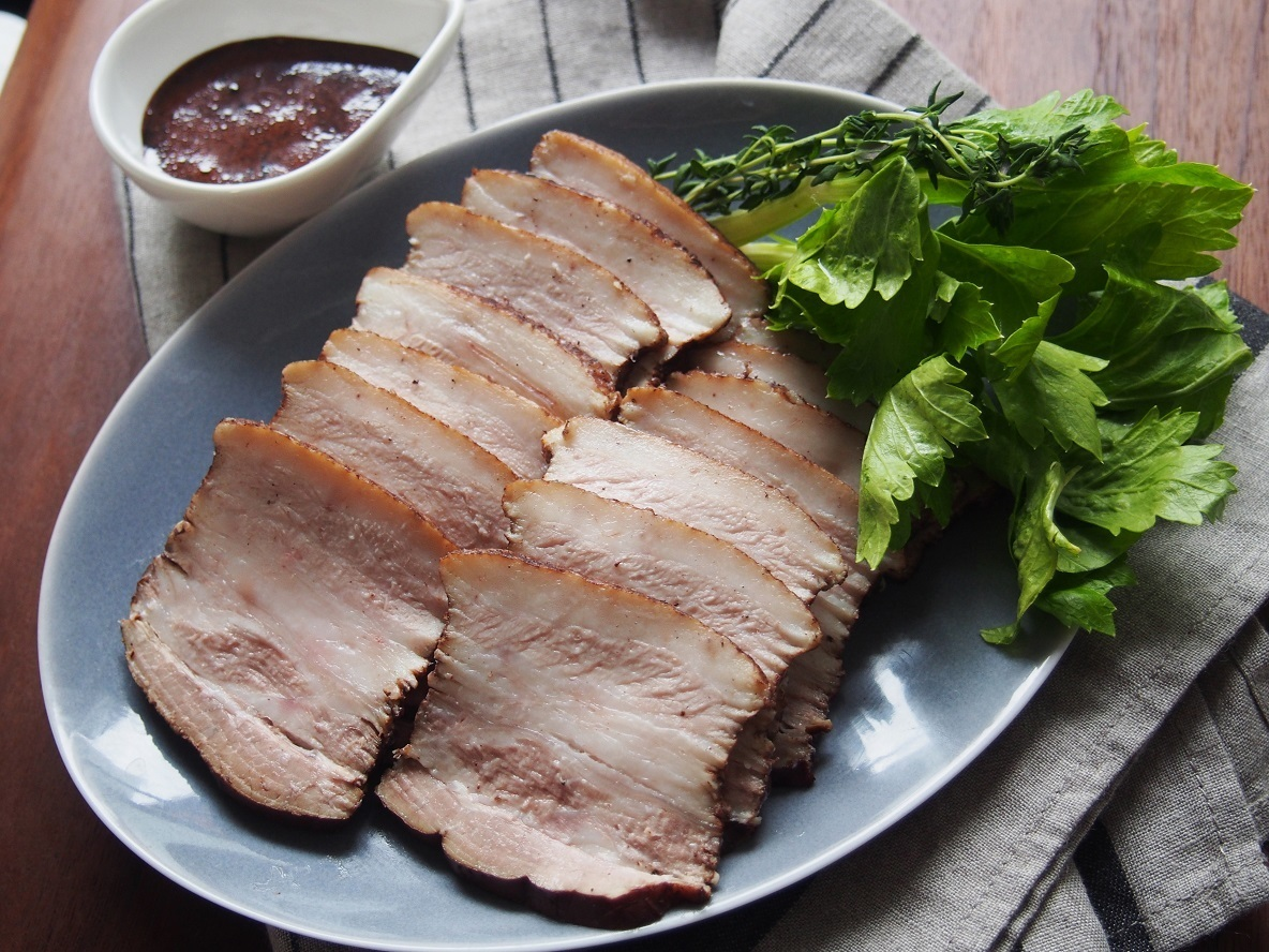 作り置きできる『豚バラ肉の紅茶煮』