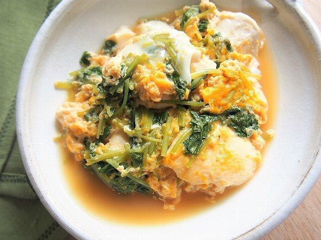ヘルシーで深夜メシにしたい、「三つ葉と豆腐の卵とじ」のレシピ