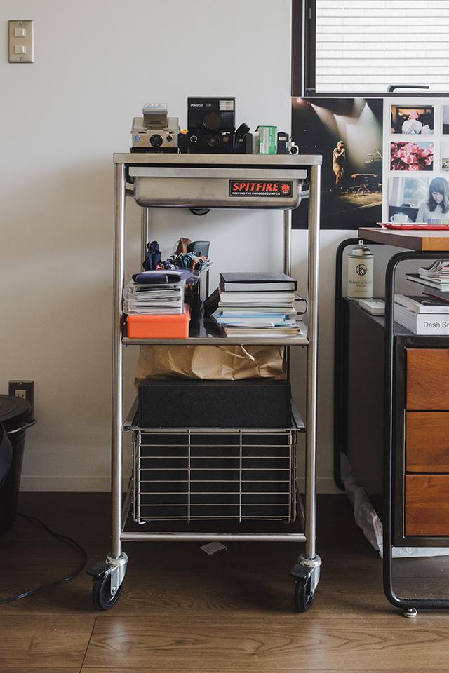 IKEAの「キッチンワゴン」を趣味用のサイドデスクに活用