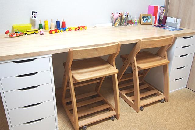 IKEAの「ALEX 引き出しユニット」で学習机をつくると便利